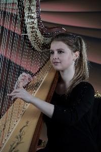 Julia Grebmer-Harfe-klein.jpg