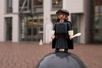 MARTINtage Lutherfigur vor dem Rathaus - Foto: Johannes Hoffmann