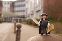 MARTINtage Lutherfigur vor der Klinik im Hamdorfer Weg - Foto: Johannes Hoffmann
