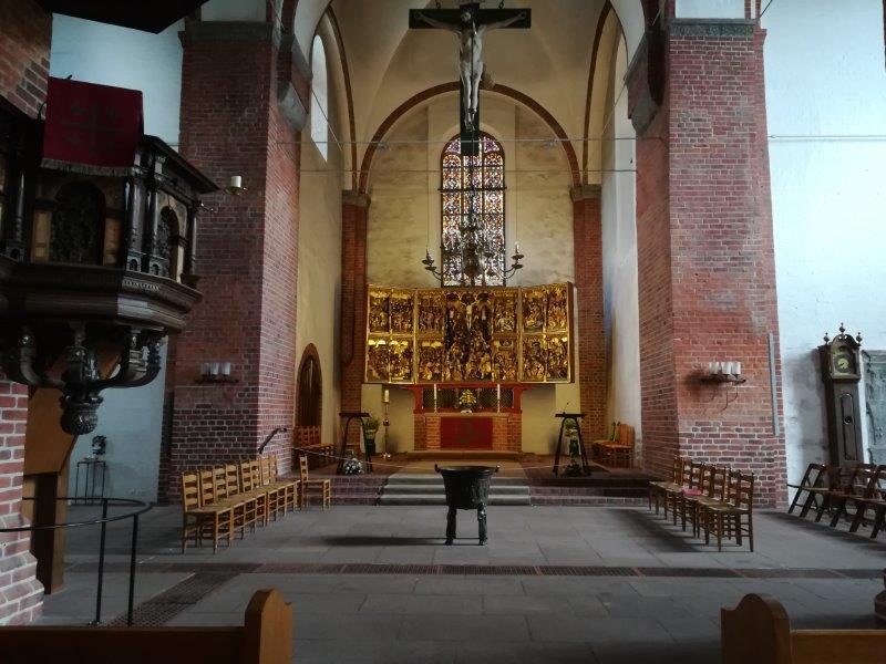 190505 Marienkirche Altarraum vor der Renovierung IMG_20190505_115437 klein.jpg