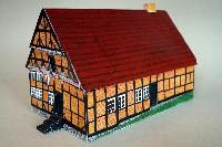 Kartonhaus - bearbeitet.jpg