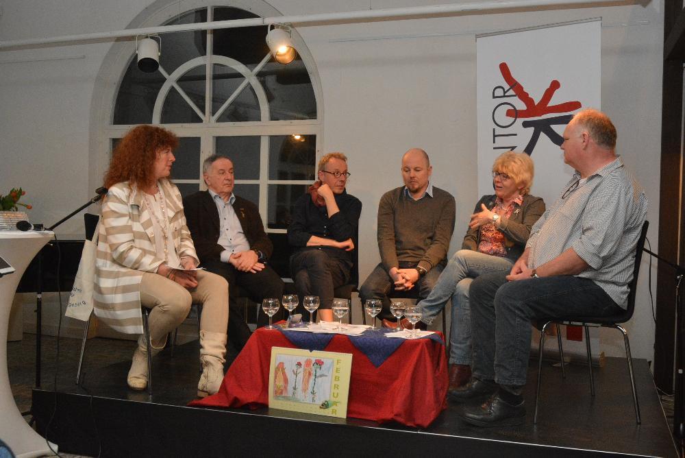 Podiumsdiskussion mit Patricia König, Hartmut Marsch, Thomas Minnerop, Michael Meier, Kirsten Tödt und Uwe Peters