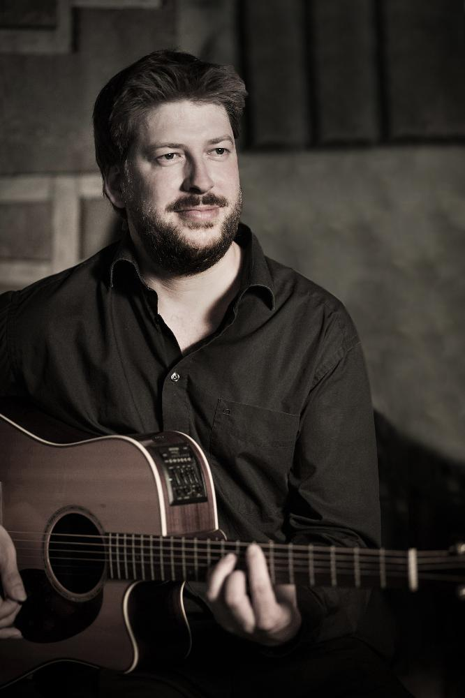 Jan Keßler_Gitarre.jpg