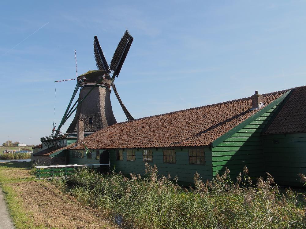 Die einzige windbetriebene Papierfabrik der Welt in Westzaan / Niederlande.